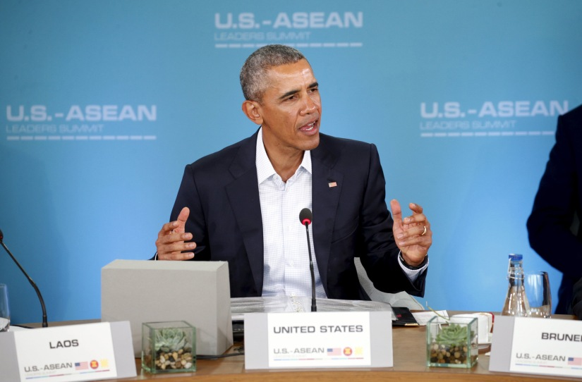 U.S. President Barack Obama makes opening remarks at the 10-nation Association of Southeast Asian Nations  (ASEAN) summit at Sunnylands in Rancho Mirage, California February 15, 2016.  Obama will press leaders from Southeast Asia to boost trade and back a common stance on the South China Sea this summit that the White House hopes will solidify U.S. influence in the region. REUTERS/Kevin Lamarque